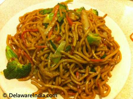 Chinatown Buffet Vegetable Lo Mein Noodles
