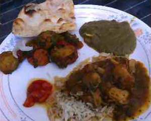 India Palace Chicken Curry, Mixed Ve Curry, Palak Paneer