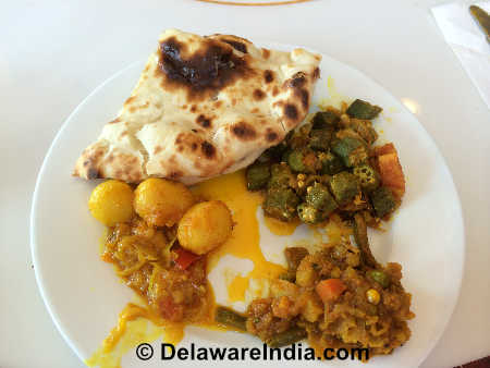 Indian Sizzler Newark Naan Bread & Veg Entrees © DelawareIndia.com