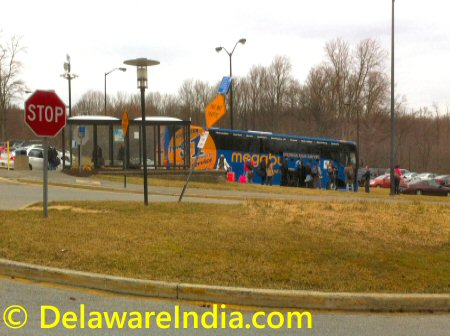 Megabus to NYC at Christian Dr University of Delaware © DelawareIndia.com